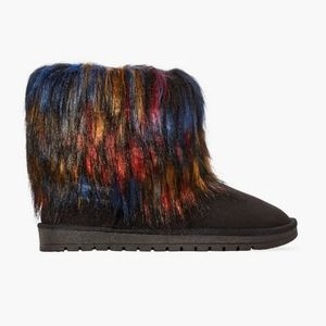 🖤 JustFab Carrie Faux Fur Fuzzie Boots 7